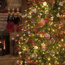 Best Kind Of Artificial Christmas Tree by Recommended Number Of Ornaments