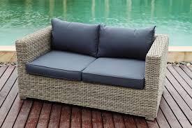 canape resine tressee salon canapé de jardin résine tressée ronde de couleur gris beige