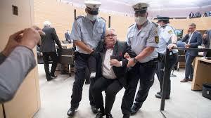 Landtag Baden Württemberg Tumult Im Stuttgarter Landtag Polizei Muss Ex Afd Politiker