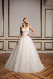 8842 wedding dress from justin alexander hitched co uk