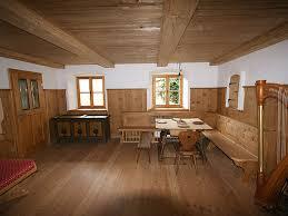 bauernstuben und sitzmöbel aus echtholz für generationen