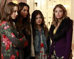 Pretty Little Liars 2014 Halloween Special pretty little liars season 4 winter premiere who u0027s in the box photos