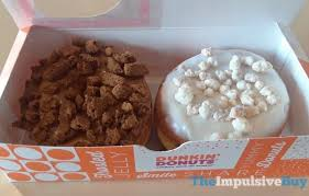 Dunkin Donuts Pumpkin Spice 2017 by Review Dunkin U0027 Donuts Frosted Sugar Cookie Donut And Gingerbread