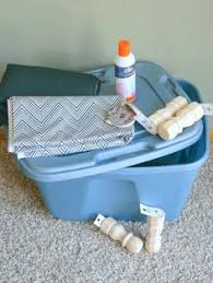 Easy Diy Toy Box by Diy Toy Box Makeover Diy Toy Box Plastic Bins And Diy Toys