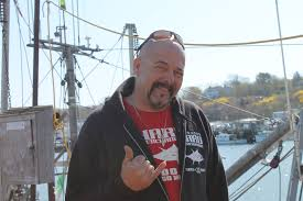 Hard Merchandise Tuna Boat Sinks by The Fishermen Survival Of The Fishermen