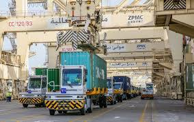 DP World Orders 238 Terberg Terminal Tractors For Jebel Ali ... Used Tberg Fm2000 8x8 Tipper Trucksnlcom Tberg Rt22 4 X Terminal Shunter 1998 Walker Movements News And Media Rt282 4x4 Diesel Terminal Truck Roro For Sale Forkliftcenter Bmw Engages Electric Trucks For Its Logistics Operations F1850 8x4 Id 8023 Brc Autocentras New 2018 Yt222 Yard Spotter Cropac Rt222 United Kingdom 2010 Terminal Tractors Sale Pasico Latest Archives Shunters Bolcom Nico Van Der Wel 9789081541220 Boeken