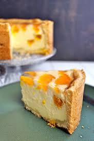 kleiner käsekuchen mit vanille und mandarinen zimtkringel