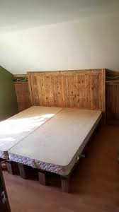 White King Headboard And Footboard by King Size Pallet Bed With Headboard U0026 Footboard 101 Pallet Ideas