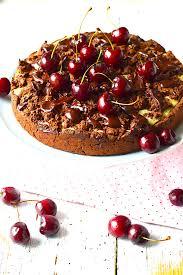 schokoladen streuselkuchen mit kirsch vanillecremefüllung