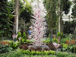 Chihuly Sculptures Brought To Life At The New York Botanical