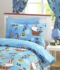 rideau garcon chambre rideau chambre enfant motif tresor de pirate bateau fond bleu garcon