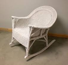 Furniture: Best Way For Your Relaxing Using Wicker Rocking ...