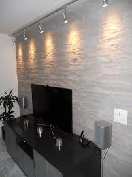wohnwand steinoptik lascas wandgestaltung wohnzimmer