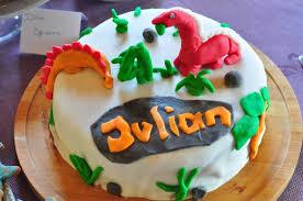 dino kindergeburtstag für einen vierjährigen
