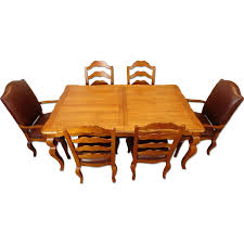 Ethan Allen Legacy Collection 7-Piece Dining Set - AptDeco Ethan Allen Ding Room Chairs Table Antique Ding Room Table And Hutch Posts Facebook European Paint Finishes Lovely Tables Darealashcom Round Set For 6 Elegant Formal Fniture Home Decoration 2019 Perfect Pare Fancy Country French New Used With Back To Black And White Sale At Watercress Springs