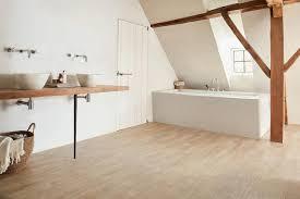 welcher bodenbelag für das badezimmer tarkett