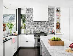 tapisserie pour cuisine papier peint pour cuisine une touche de joie dans l intérieur