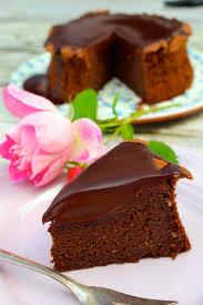 saftiger schokoladen hasenusskuchen mit ganache topping