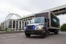 100 Penske Trucks Daimler Hands Over First Electric Freightliner Truck To
