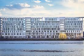 siege social caisse d epargne architecture quand les banques jouent la transparence le point