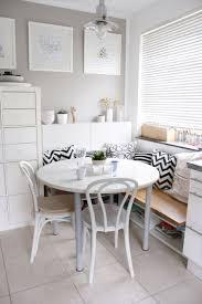 biała jadalnia z okrągłym stołem lovingit pl dining room