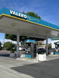Gas Stations: Valero Gas Stations Truck Stop Valero Quick Trip Sustained Hunger Strike Launched With Blockade At Valeros Houston Barstow Causa September 30 2016 Flying J Exterior Gas Station Shortage Bucees And Quik Youtube Business Fuel Card Awesome Brand Requirements Abbott Sturdy Oil Company 12 Arrested Antipeline Protest Memphis Refinery Gas Stock Photos I 10 High Tide Inc Online