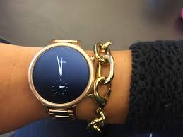 What it s like to use Motorola s new Moto 360 smartwatch with an