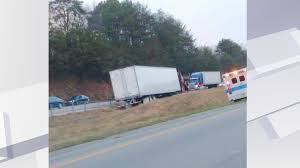 100 Semi Truck Accident On I 75 Crash Causing Travel Delays On In Whitley County