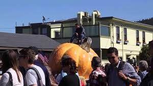 Pumpkin Fest Half Moon Bay 2015 by Half Moon Bay Pumpkin Festival 2013 Youtube