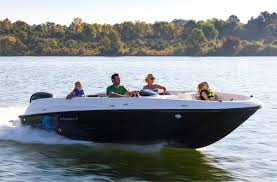 Bayliner 190 Deck Boat by New Bayliner Boats Deck Boats Models For Sale In West Kelowna