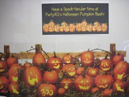 Halloween Scene Setters 2017 by Halloween Party Ideas Halloween Office Party Daily Party Dish