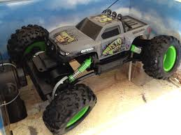 100 Radio Control Monster Truck Remote Maisto Rock Crawler Offroad New 2014