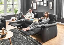 sofa mit integrierter relaxfunktion wohnzimmer ideen