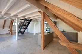 so wird die treppe im wohnzimmer zum optischen highlight