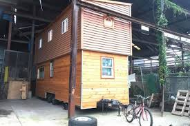 100 Tiny House Newsletter House Lives Large With Extendable Roof Curbed