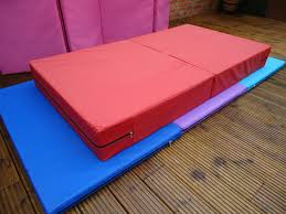 gymnastics floor mats uk 1800mm x 1000mm x 200mm folding gymnastic vented landing crash mat