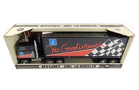 Vintage Nylint GMC Mr Goodwrench 18-Wheeler #911-Z Tractor Trailer ...