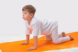 Having Your Kids Simulate Animals Is A Great Way To Make The Yoga More Accessible Their Young Minds Cat And Cow Poses Or Marjaryasana Bitilasana