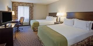 Varsity Theater Minneapolis Bathroom by Holiday Inn Express U0026 Suites Minneapolis Dwtn Conv Ctr Hotel By Ihg
