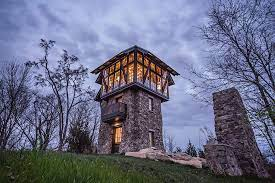 104 House Tower Vertical Entertaining For Guests