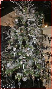 Black And White Christmas Tree Decorating Ideas With Decorations