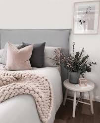 schlafzimmer grau deko caseconrad