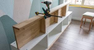 sitzbank mit stauraum vor fensterbank bauen ein ikea hack