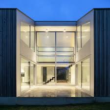 100 Glass Walled Houses Design A Curtain Wall Thats Beautiful And Energy Efficient