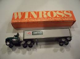 Toys & Hobbies - Diecast & Toy Vehicles: Find Winross Products ... Winross Ingersoll Rand Diecast Truck Youtube Amazoncom 1993 Gfs Gordon Food Service Ford 9000 Buy Hersheys Desert Bar Tractor Trailer 1991 Winross Mib Die Model 1989 164 Scale The Cloister Restaurant Inventory For Sale Hobby Collector Trucks Roadway Express Trucking Doubles And Pepsicola Historical Series 9 1 64 Ebay White 7000 Cryogenic Tanker Air Products Double Pup Trailers With Hitch Red Arrow Freight American Society