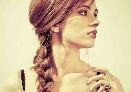 32 Delicate Hairstyles With Braids