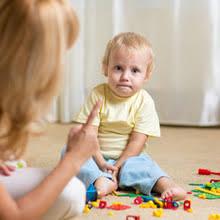 a quel âge bébé comprend quand on le gronde