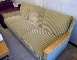 wohnzimmer 70er sofa und 2x sessel