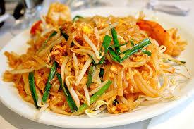 cuisine thailandaise recette recette sai khai pâtes de riz sautées à la