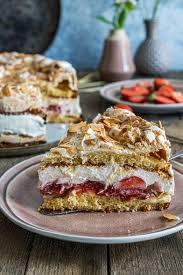 erdbeerliebe erdbeer baiser torte mitliebezurtorte